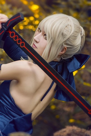 iPhone Wallpaper Cosplay girl, white hair, sword, back view
