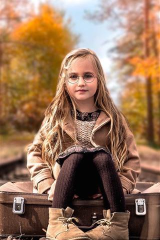 iPhone Wallpaper Cute blonde little girl, glasses, suitcase, railroad