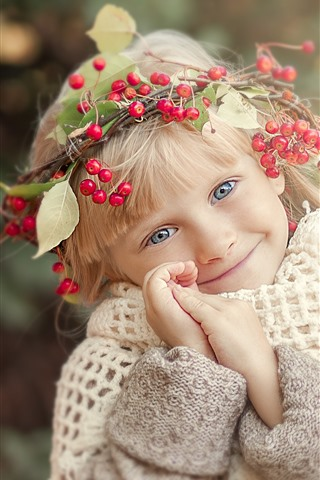 iPhone Wallpaper Cute child, little blonde girl, head decoration, berries