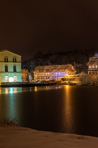 iPhone Wallpaper Germany, Cunewalde, winter, snow, river, trees, houses, lights, night