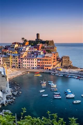 iPhone Wallpaper Italy, Ligurian sea, Vernazza, harbour, houses, beautiful village