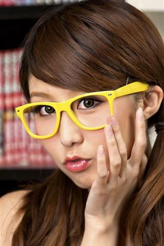 iPhone Wallpaper Lovely girl, glasses