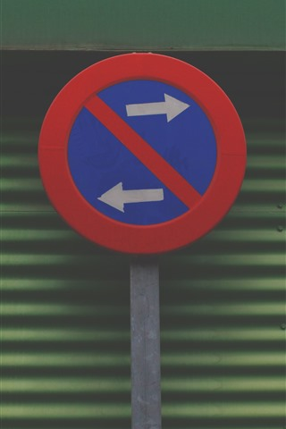 iPhone Wallpaper Road sign, left and right