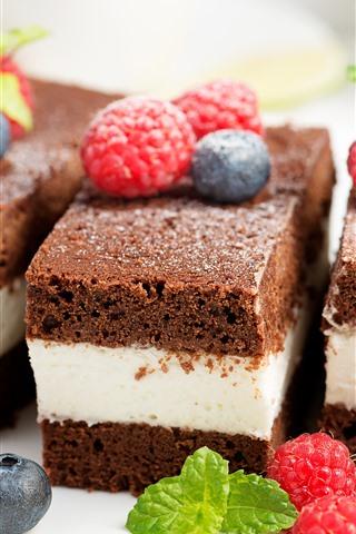 iPhone Wallpaper Sandwich cake, chocolate, raspberry, blueberry