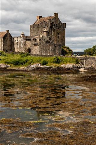 iPhone Wallpaper Scotland, Eilean Donan Castle, bridge, clouds, lake