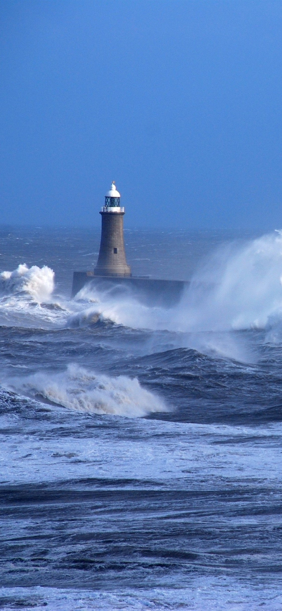 Wallpaper Sea Storm Waves Lighthouse 2880x1800 Hd Picture