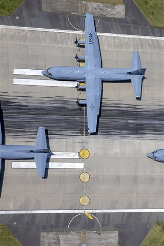 iPhone Wallpaper USAF, Military Transport planes, top view