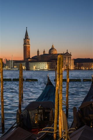 iPhone Wallpaper Venice, gondola, boats, river, houses, night, lamp, Italy