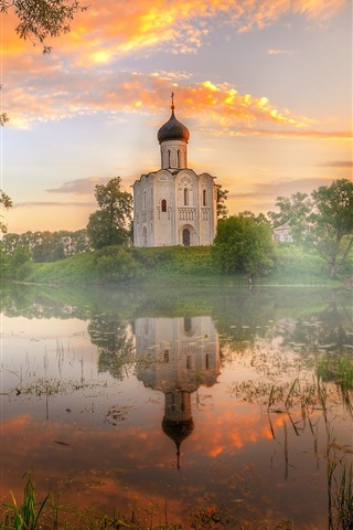 iPhone Wallpaper Vladimir, pond, temple, fog, dawn, sunshine, Russia