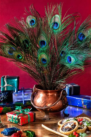iPhone Wallpaper Christmas gifts, lamp, coffee, peacock feathers, cookies, still life