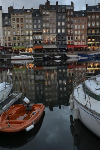 iPhone Wallpaper France, Honfleur, boats, river, buildings, dusk
