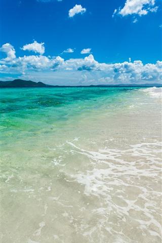 iPhone Papéis de Parede Mar, praia, areias, água, céu azul, nuvens