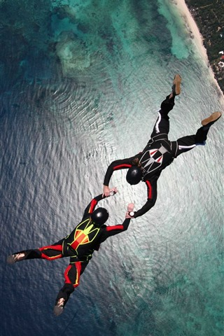 iPhone Wallpaper Skydivers, parachuting, sea, city, extreme sport