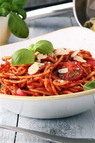 iPhone Wallpaper Spaghetti, tomatoes, food, fork