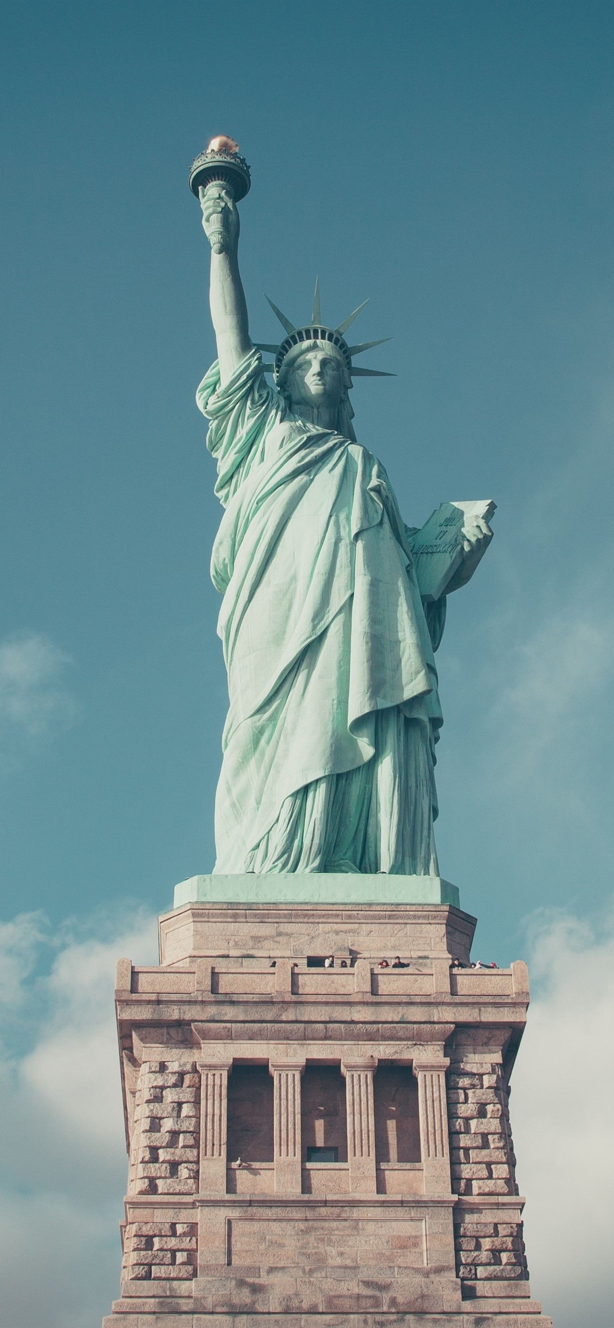 Wallpaper Statue Of Liberty Blue Sky Clouds Usa 3840x2160 Uhd