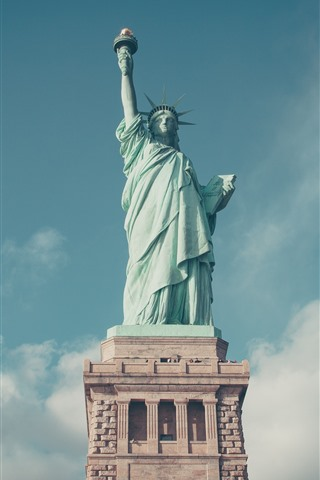 iPhone Wallpaper Statue of Liberty, blue sky, clouds, USA