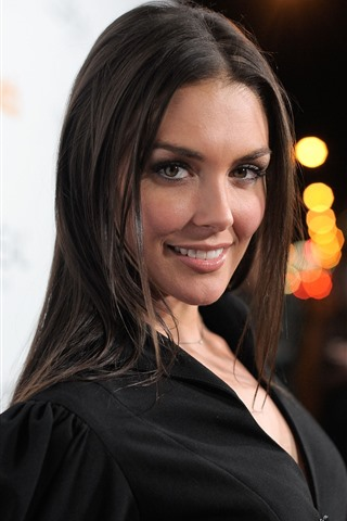 iPhone Wallpaper Taylor Cole 01