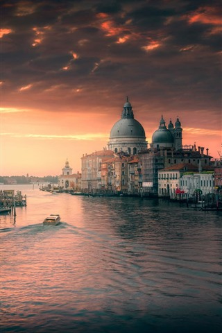 iPhone Wallpaper Venice, Italy, river, buildings, city, dusk