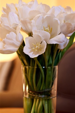 iPhone Wallpaper White tulips, vase, candles