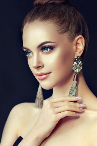 iPhone Wallpaper Beautiful fashion girl, hairstyle, earring, smile