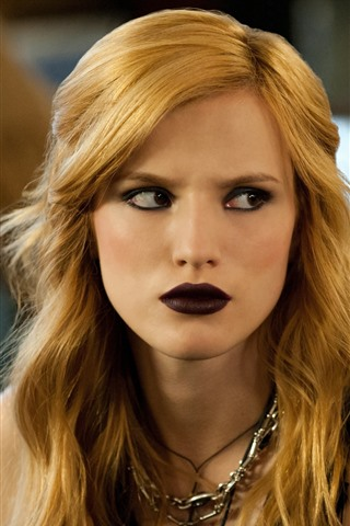 iPhone Wallpaper Bella Thorne 09