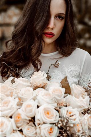 iPhone Wallpaper Curly hair girl, pink roses