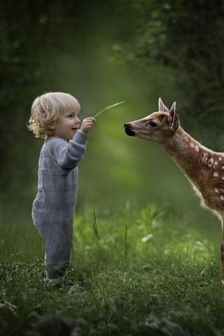 iPhone Wallpaper Cute little boy and deer
