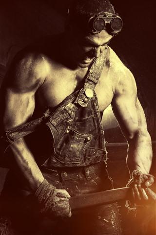 iPhone Wallpaper Hard worker, sledgehammer, man, glare