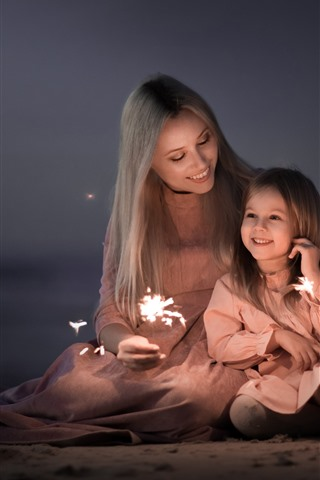 iPhone Wallpaper Mother and daughter, happy family, sparks, fireworks