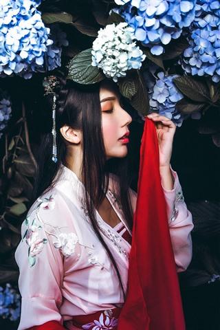 iPhone Wallpaper Retro style Chinese girl, blue hydrangea flowers