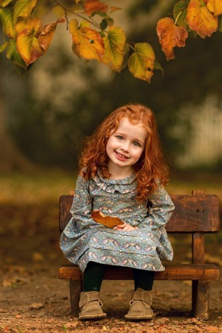 iPhone Wallpaper Smile little girl, cute child, leaves, autumn