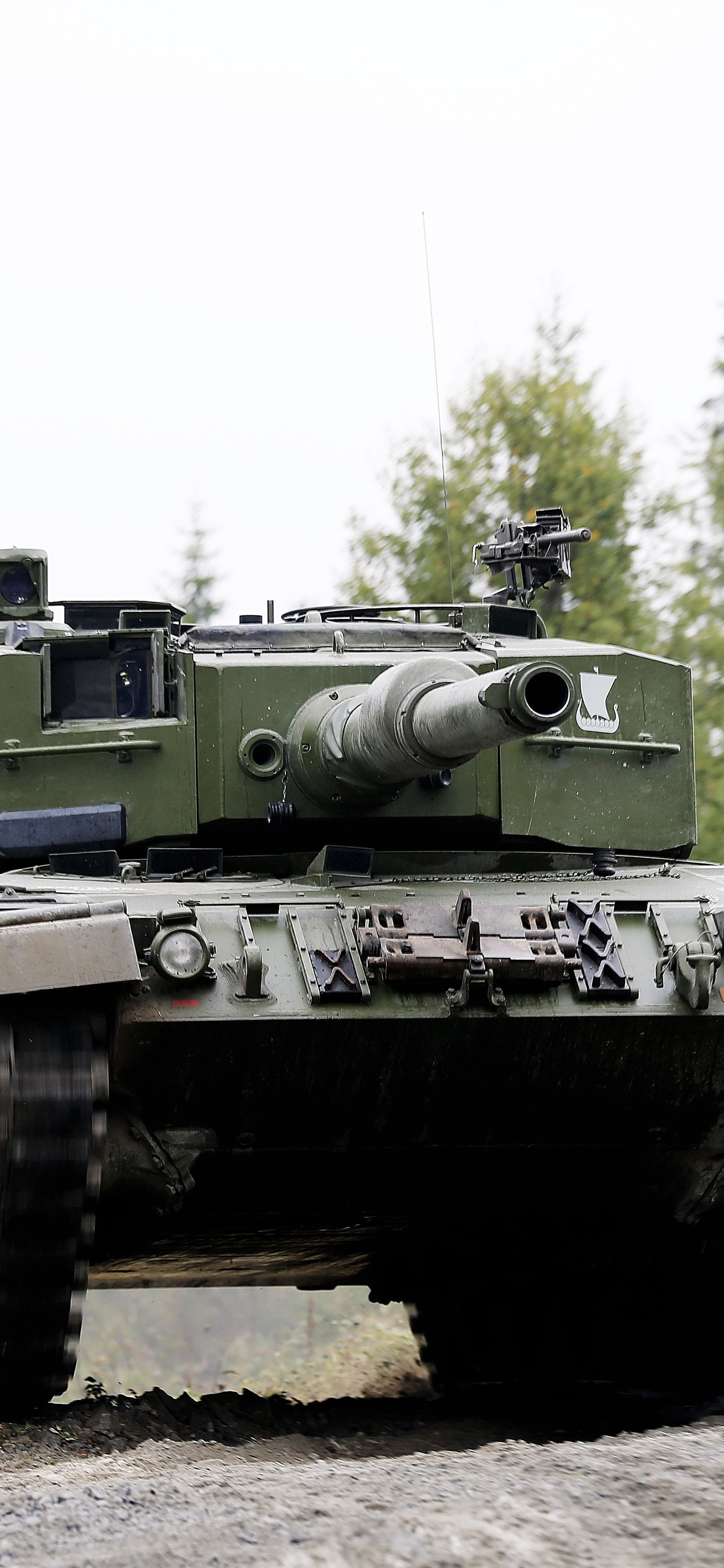Tank Front View Speed 1242x2688 Iphone Xs Max Wallpaper
