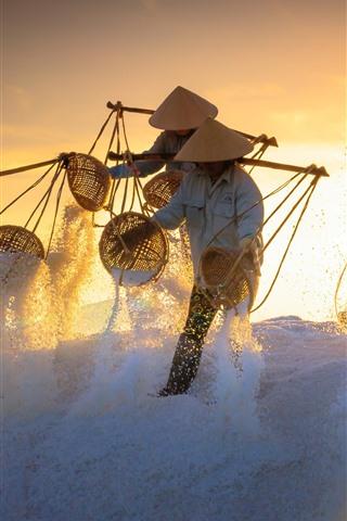 iPhone Wallpaper Vietnam, people, salt, sunset, worker