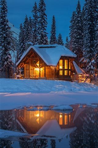 iPhone Wallpaper Yoho National Park at winter, night, hut, lights, lake, trees, snow, Canada