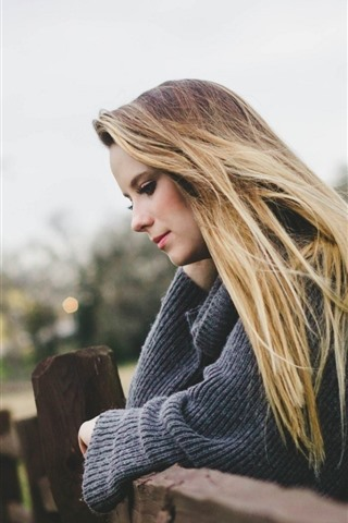 iPhone Wallpaper Blonde girl, fence, hazy background