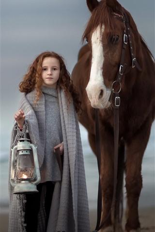 iPhone Wallpaper Cute brown hair little girl and horse, lamp