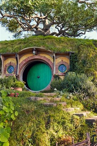 iPhone Wallpaper Hobbit house