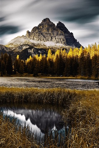 iPhone Wallpaper Italy, nature landscape, autumn, trees, mountain, lake, park
