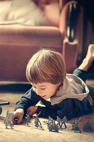 iPhone Wallpaper Little boy play toys, child