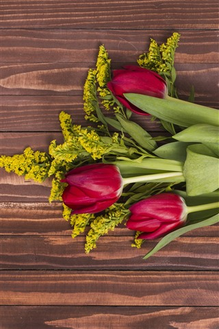 iPhone Wallpaper Red tulips, bouquet, wood board