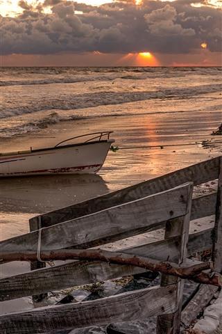 iPhone Wallpaper Sea, boats, beach, waves