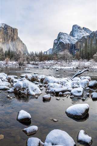 iPhone Wallpaper Yosemite National Park in the winter, snow, rocks, mountains, trees
