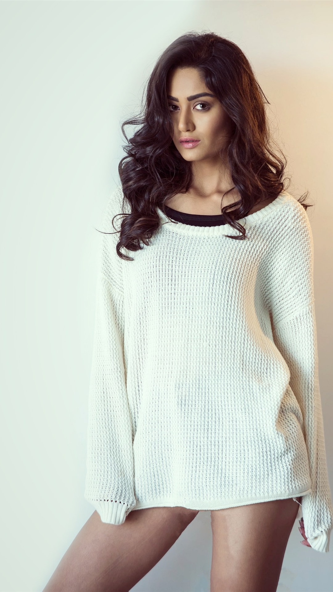 Curly Hair Girl White Sweater Sexy 1242x2688 Iphone 11 Pro Xs