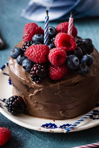 iPhone Wallpaper Chocolate cake, berries, candles