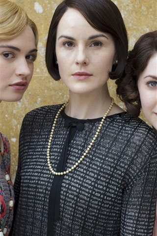 iPhone Wallpaper Three girls, actress