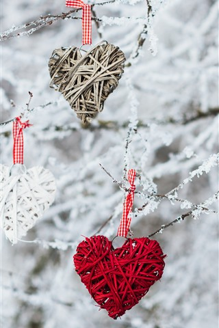 iPhone Papéis de Parede Três corações de amor, decoração, galhos, neve, inverno