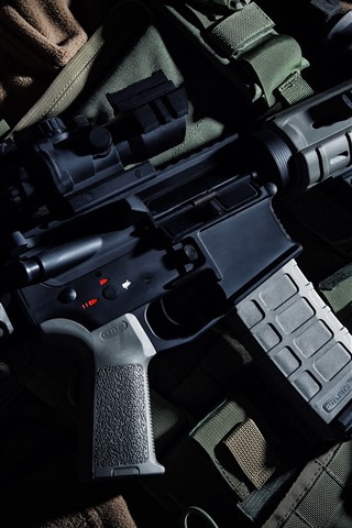 iPhone Wallpaper Beretta M9 automatic carbine, weapon