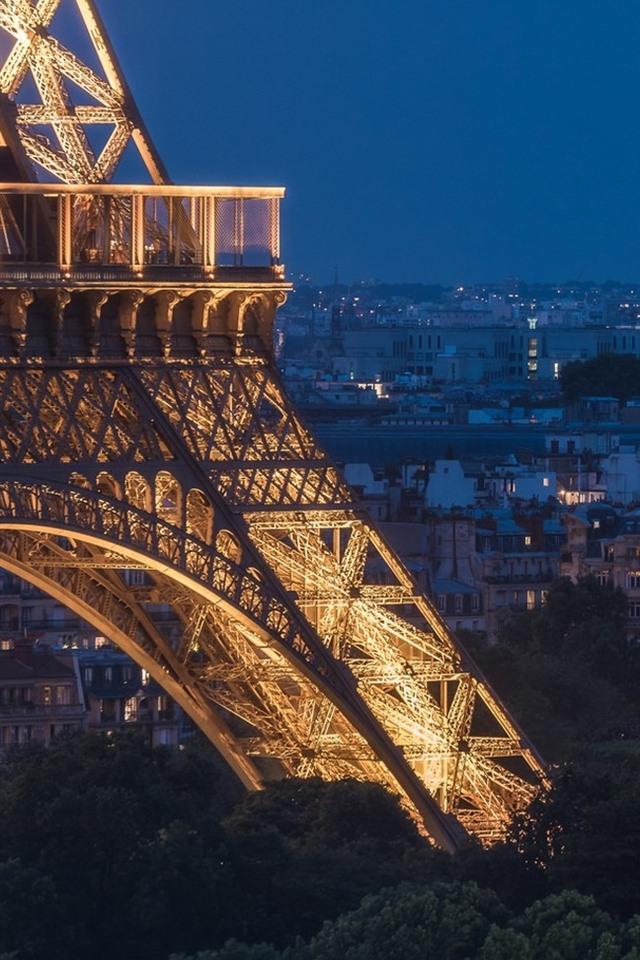 Eiffel Tower Paris France Night Lights City 640x960