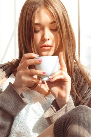 iPhone Wallpaper Brown hair girl, drink coffee, sunshine, window
