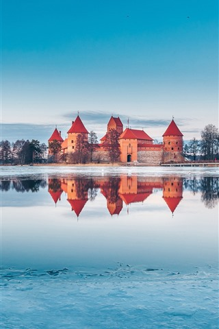 iPhone Wallpaper Trakai, Lithuania, castle, lake, snow, ice, winter